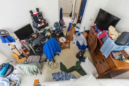 Organize a Teen's Bedroom: How to Declutter