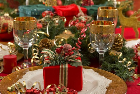 Organized Christmas: Holiday Party Planning Tips